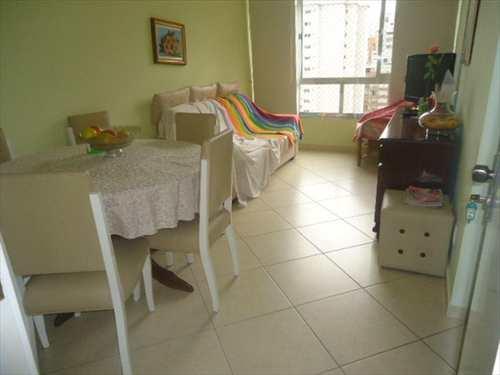 Apartamento, código 2174 em Guarujá, bairro Pitangueiras