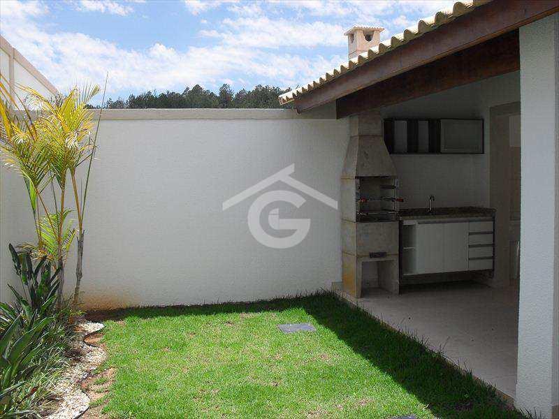 Casa em Guararema, no bairro Paiao