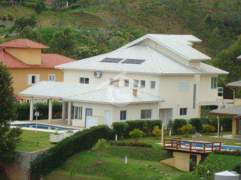 Casa em Guararema, no bairro Alpes de Guararema