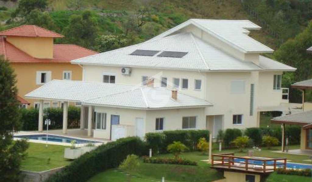 Casa em Guararema, bairro Alpes de Guararema