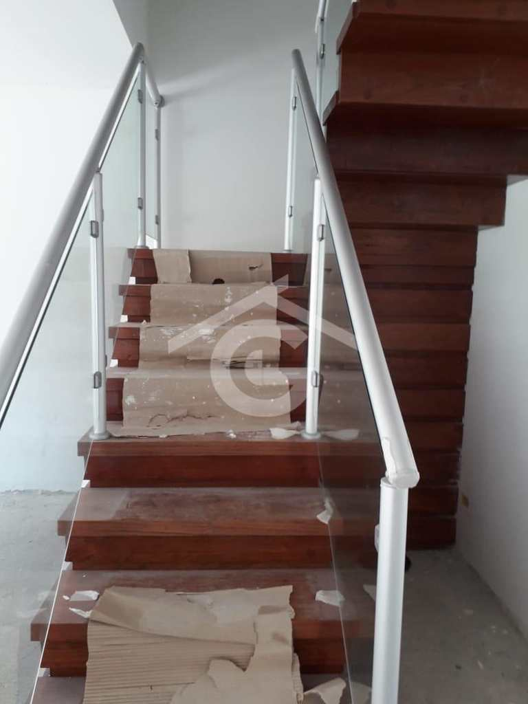 Sobrado em Guararema, no bairro Freguesia da Escada