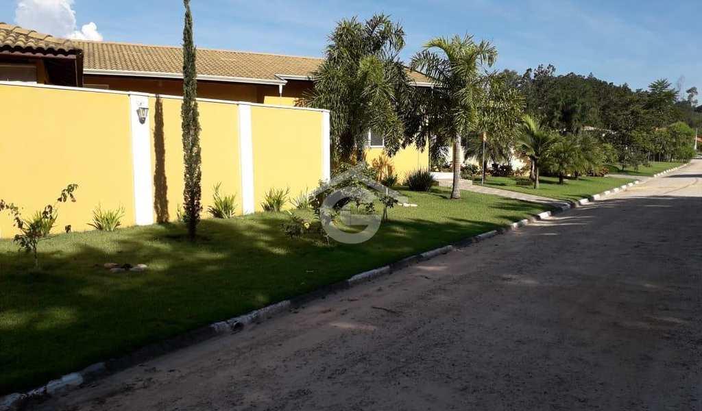 Casa em Guararema, bairro Residencial Ponte de Pedra