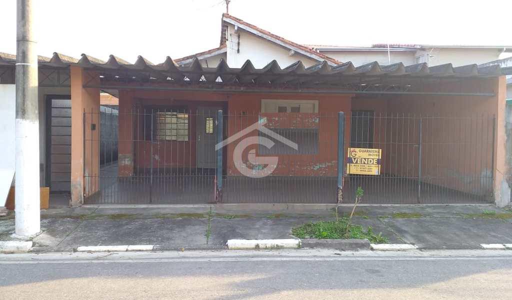 Casa em Guararema, bairro Itapema
