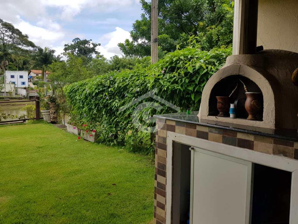Chácara em Guararema, no bairro Itaoca