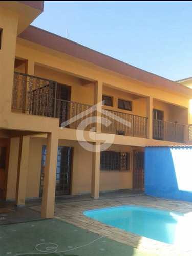 Casa, código 1515 em Guararema, bairro Centro