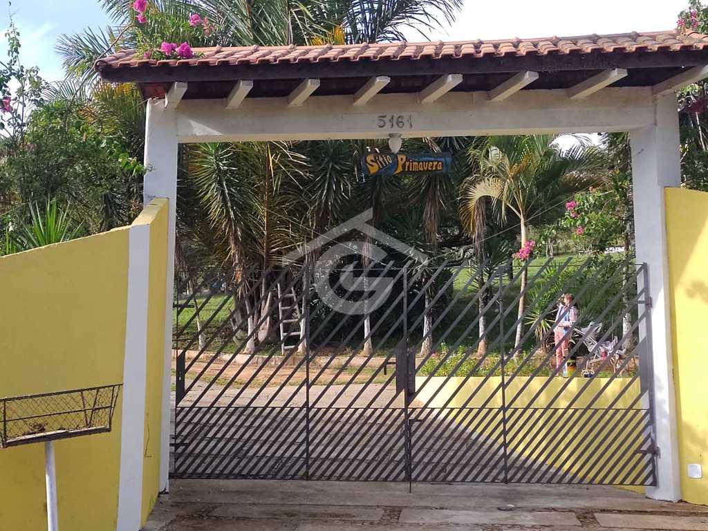 Chácara em Guararema, no bairro Capoeirinha