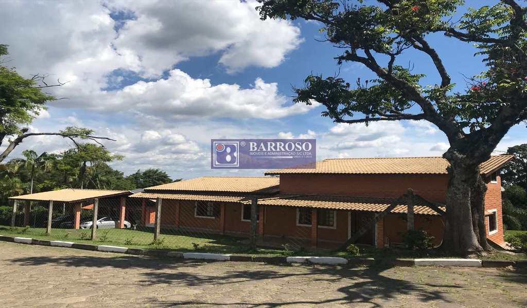 Casa em Serra Negra, bairro Macacos