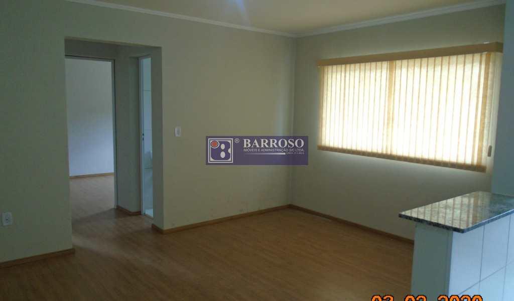 Apartamento em Serra Negra, bairro Chácara Belvedere Lago