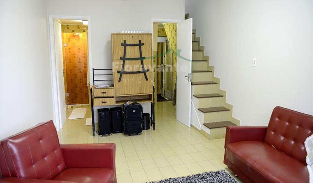 Apartamento em São Vicente, bairro Japuí