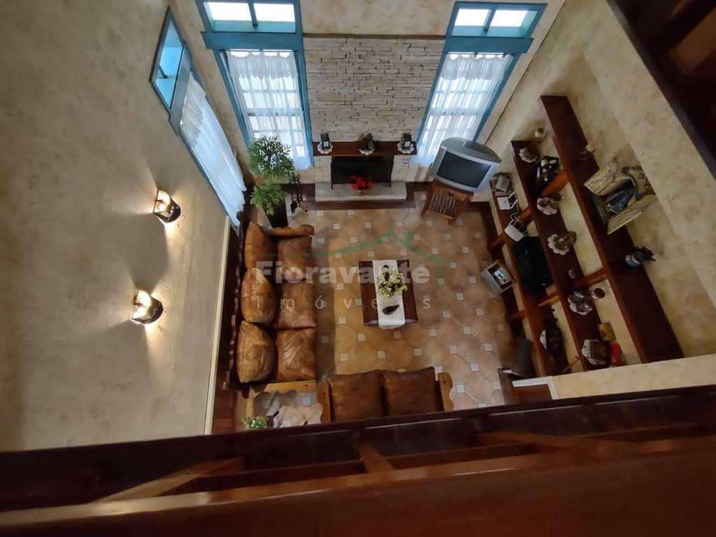 Casa de Condomínio em Ibiúna, no bairro Votorantim