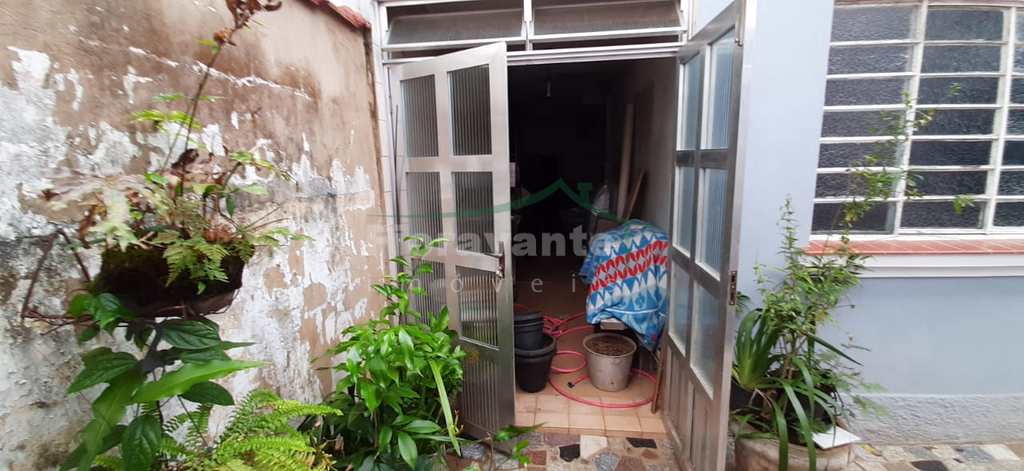 Casa em Santos, no bairro Boqueirão