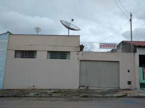 Casa, código 16 em Tatuí, bairro Vila Doutor Laurindo