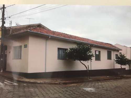 Casa, código 82 em Tatuí, bairro Centro