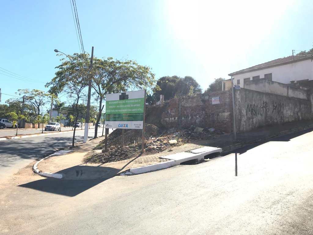 Terreno Comercial em Tatuí, bairro Vila São Cristóvão