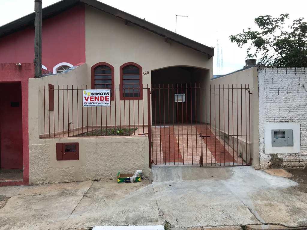 Casa em Tatuí, no bairro Vila Doutor Laurindo