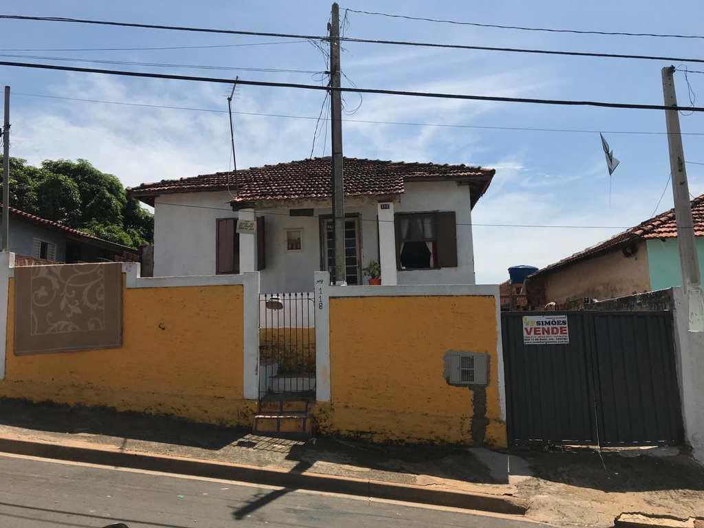 Casa em Tatuí, no bairro Vila Santa Adelia
