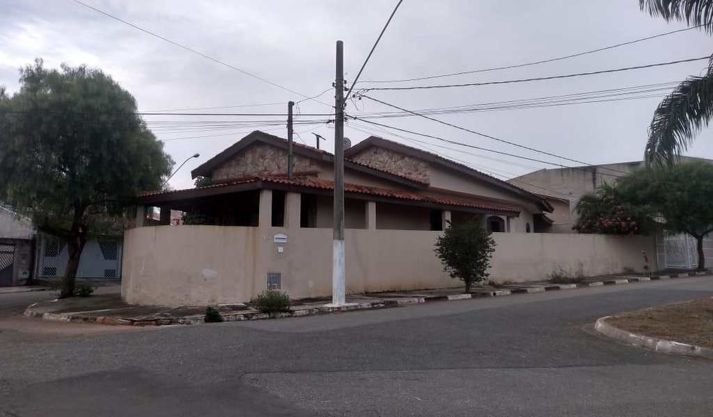 Casa em Tatuí, bairro Jardim Mantovani