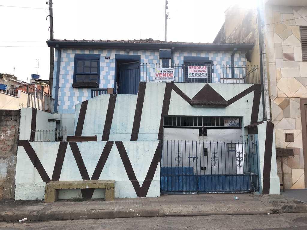 Casa em Tatuí, no bairro Vila Esperança