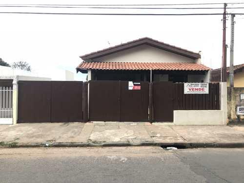 Casa, código 242 em Tatuí, bairro Centro