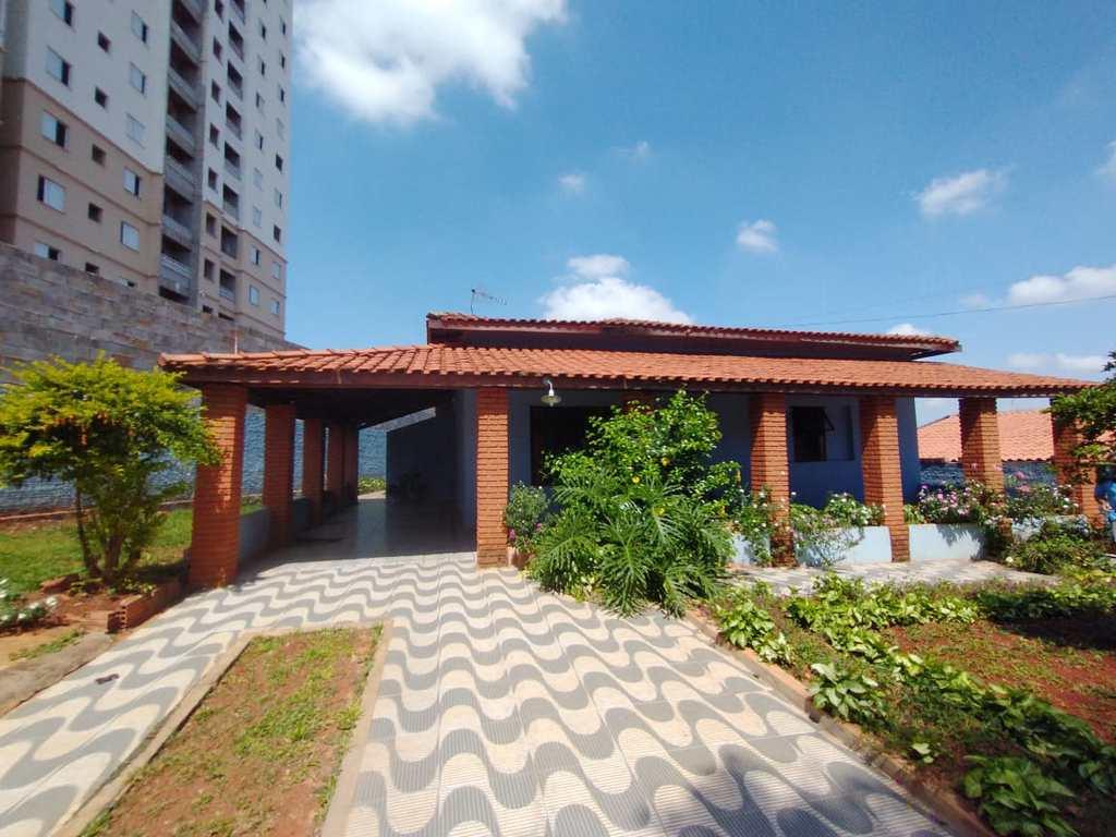 Casa em Tatuí, no bairro Jardim Lucila