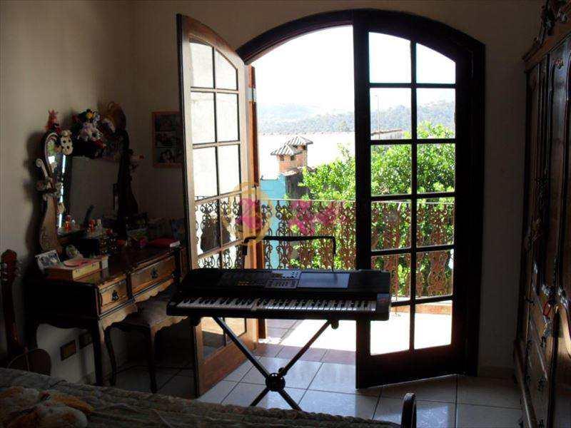 Casa em Atibaia, bairro Jardim do Lago