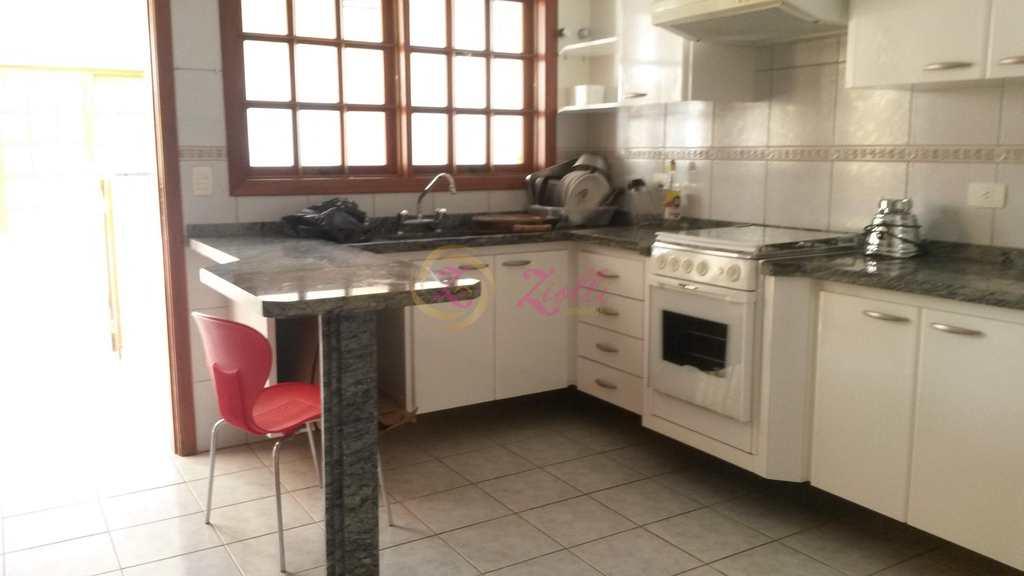 Casa em Atibaia, bairro Jardim Ipê