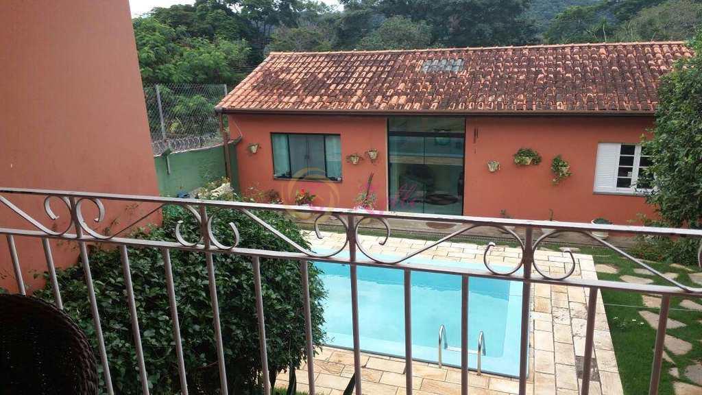 Sobrado em Atibaia, bairro Jardim dos Pinheiros