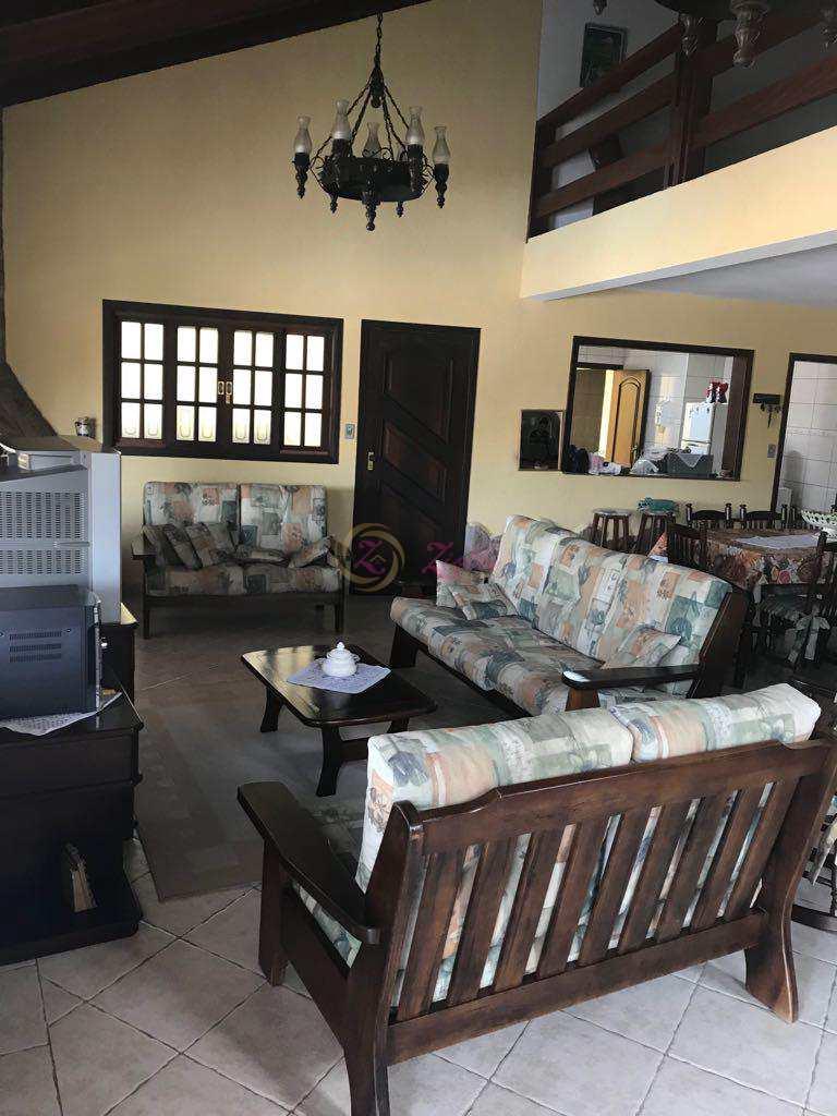 Casa em Atibaia, bairro Condomínio Portal das Hortências