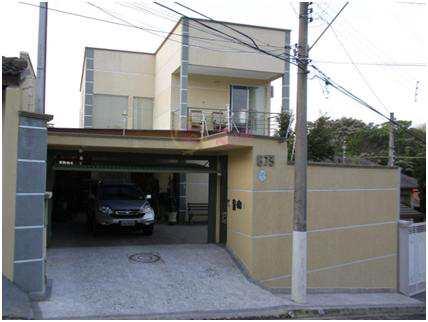 Sobrado em Atibaia, bairro Nova Gardênia