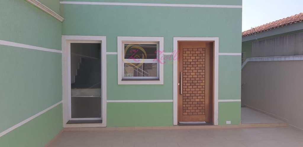 Casa em Atibaia, no bairro Jardim dos Pinheiros