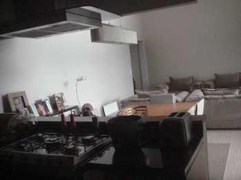 Apartamento, código 240 em Santana de Parnaíba, bairro Tamboré