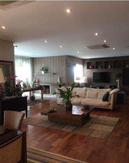 Apartamento em Santana de Parnaíba, bairro Tamboré