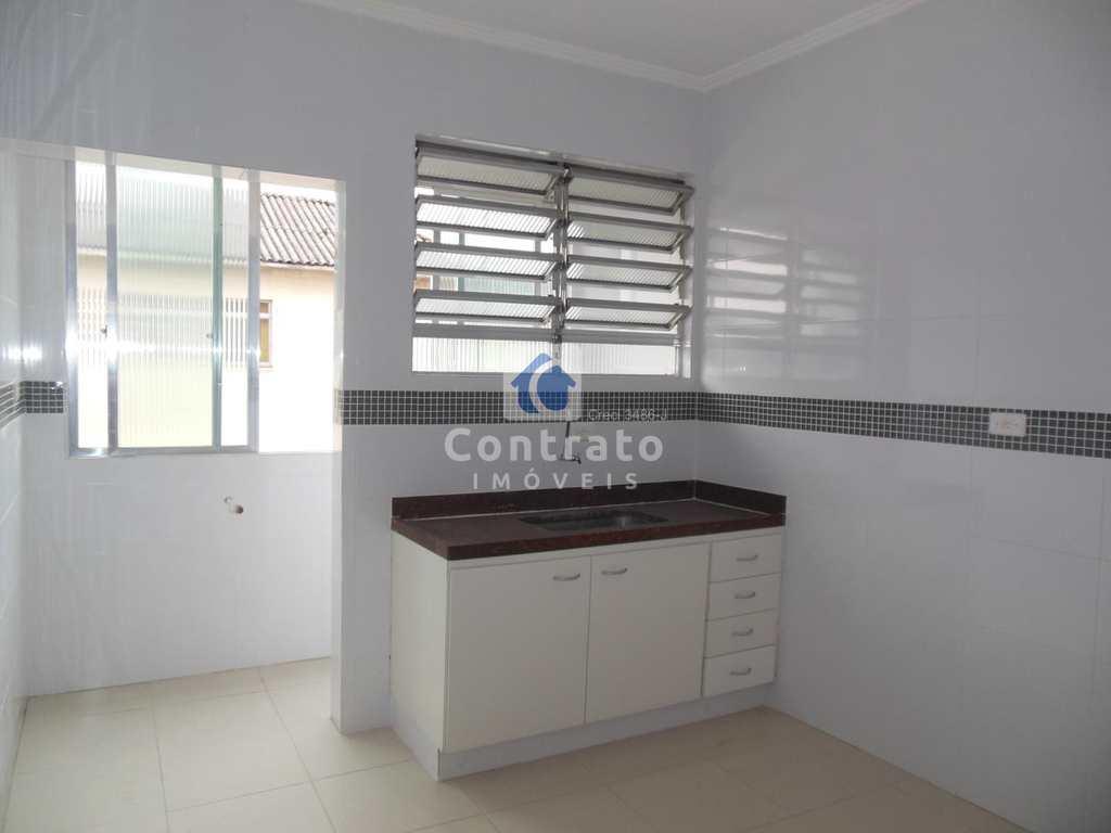 Apartamento em São Vicente, no bairro Vila Cascatinha