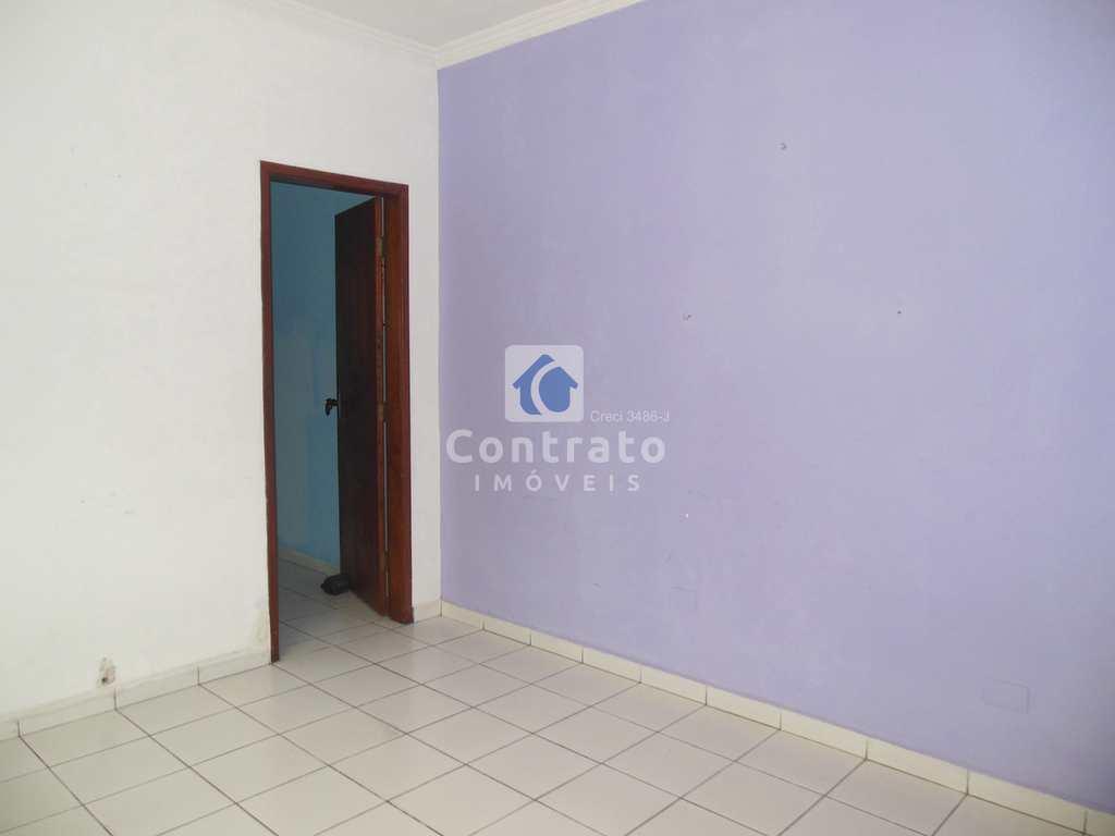 Casa em São Vicente, no bairro Vila Jockei Clube
