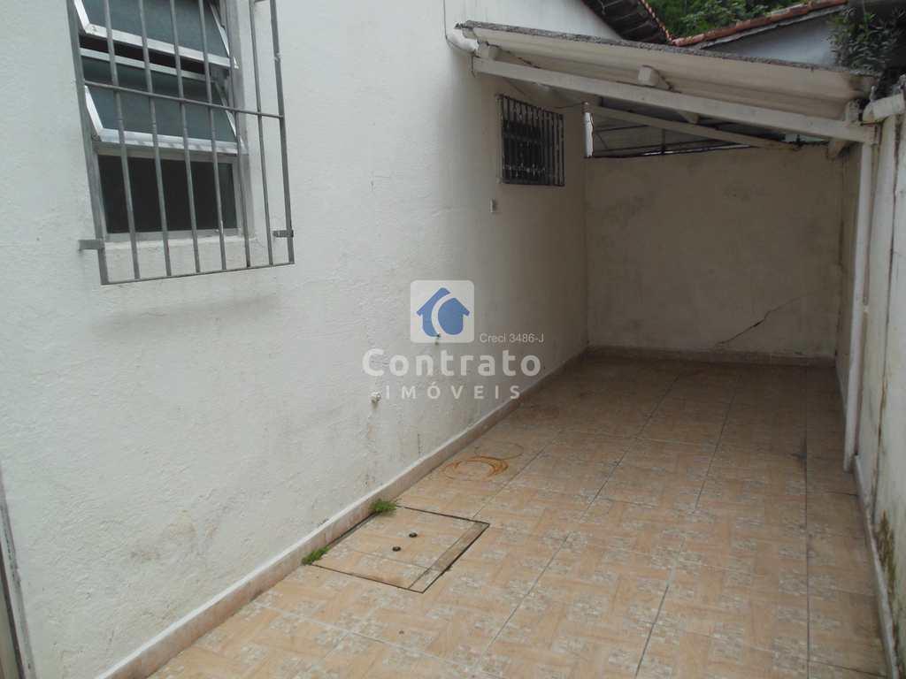 Casa em São Vicente, no bairro Vila Voturua