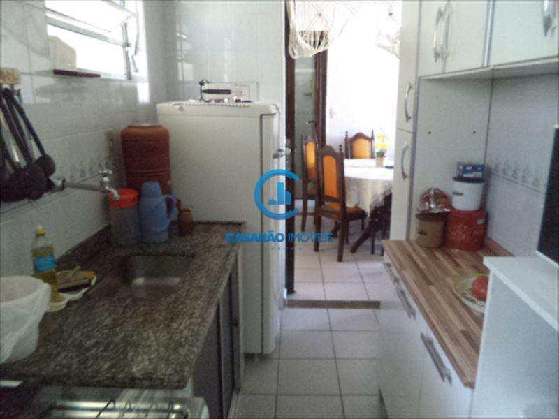 Apartamento em Caraguatatuba, bairro Jardim Casa Branca