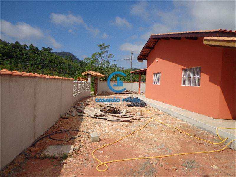 Casa em Caraguatatuba, bairro Portal da Fazendinha
