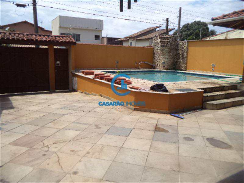 Sobrado em Caraguatatuba, bairro Jardim Primavera
