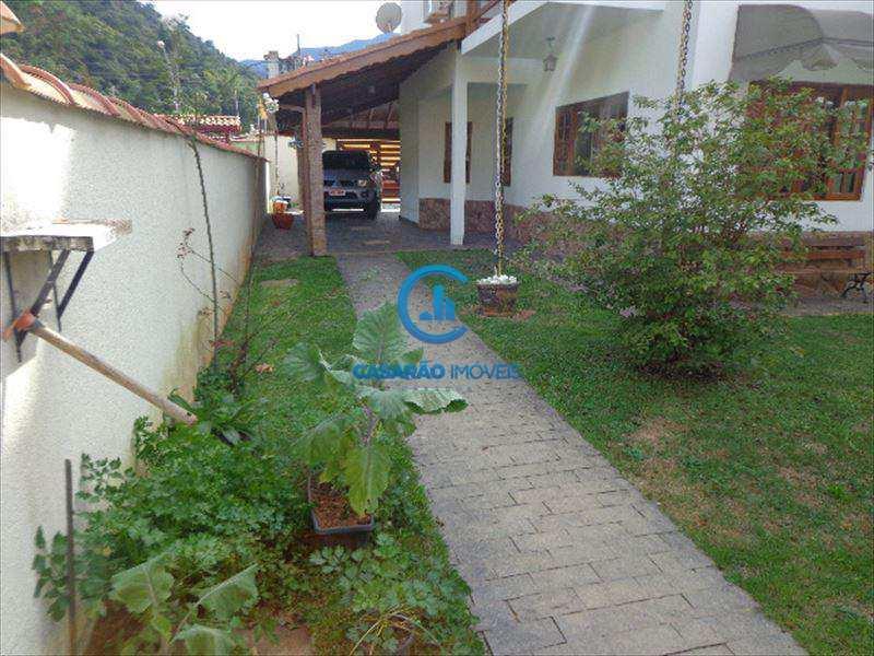 Sobrado em Caraguatatuba, no bairro Cidade Jardim