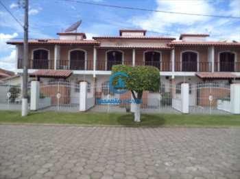 Sobrado, código 1358 em Caraguatatuba, bairro Martim de Sá