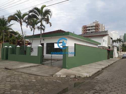 Casa, código 1201 em Caraguatatuba, bairro Martim de Sá