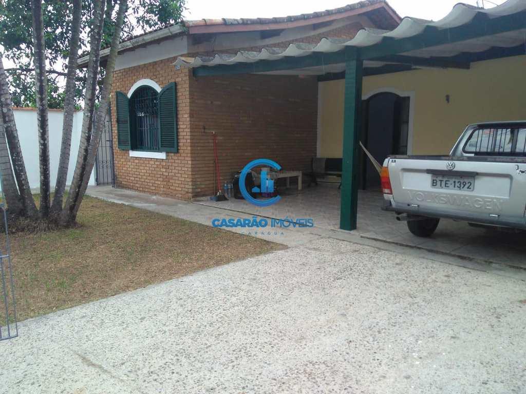 Casa em Caraguatatuba, no bairro Vila Atlântica