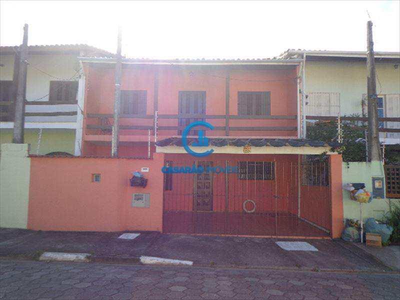 Sobrado em Caraguatatuba, bairro Loteamento Balneário Camburi