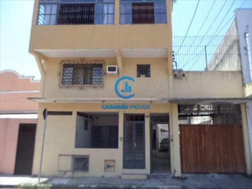 Sobrado, código 1180 em Caraguatatuba, bairro Centro
