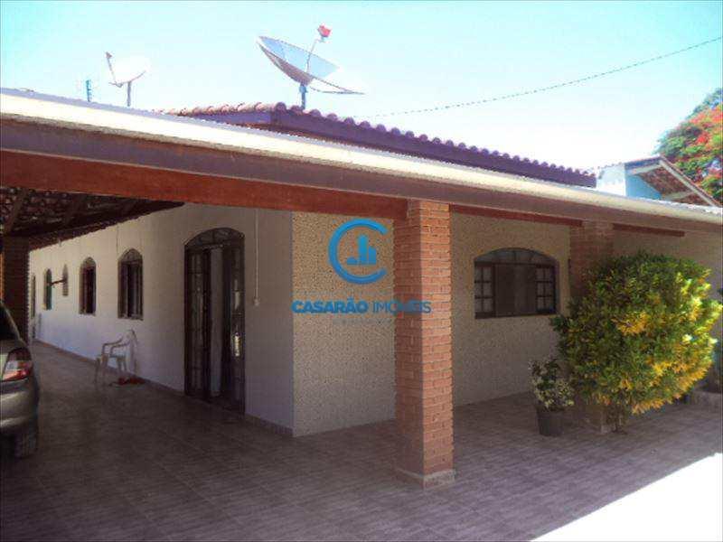 Casa em Caraguatatuba, bairro Balneário Califórnia