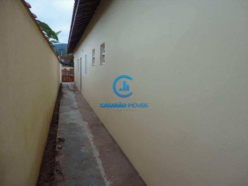Casa em Caraguatatuba, bairro Getuba