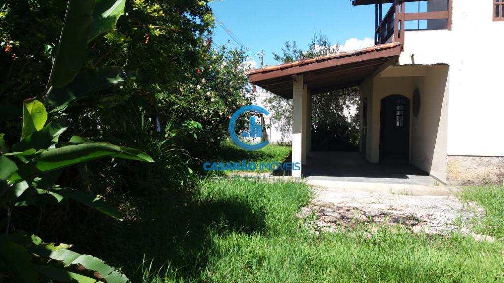 Sobrado em Caraguatatuba, bairro Jardim Jaqueira