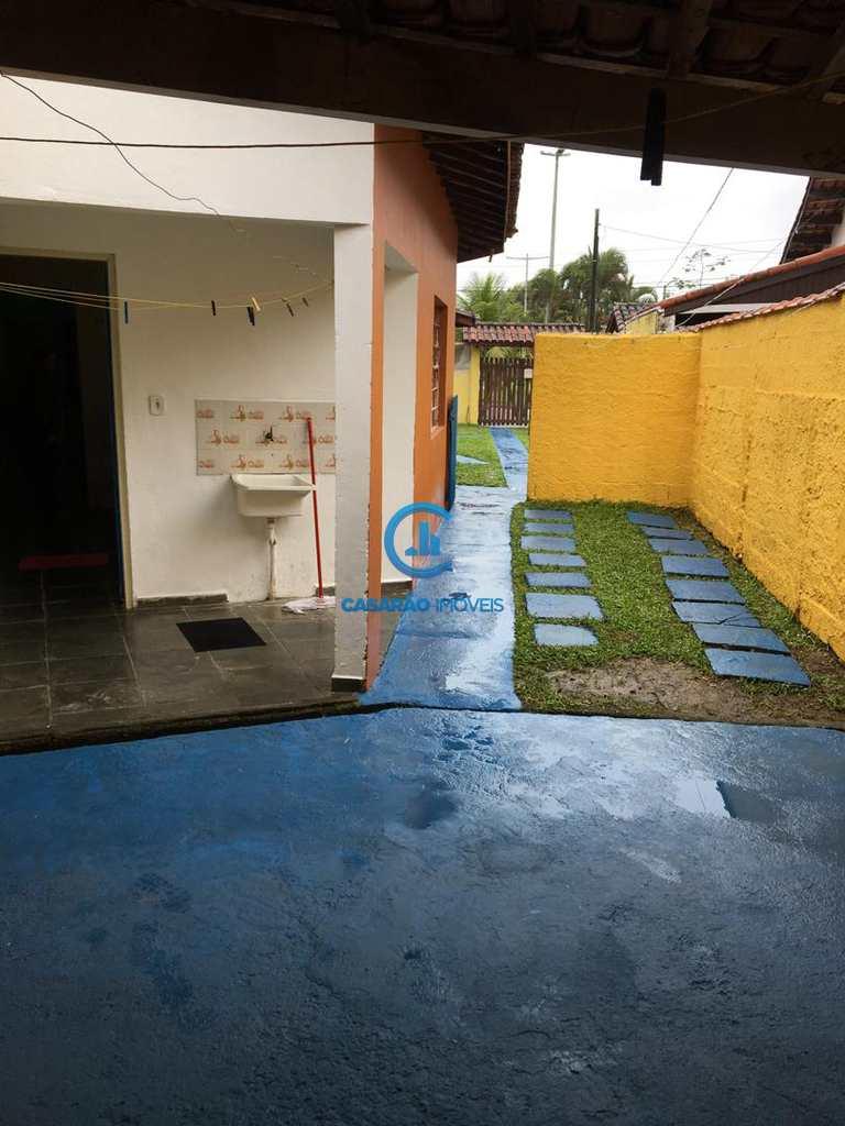 Casa em Caraguatatuba, bairro Jardim Aruan