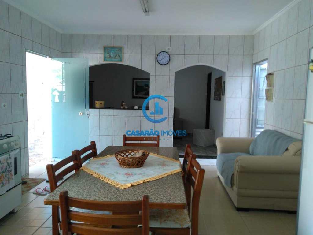 Casa em São Sebastião, bairro Enseada