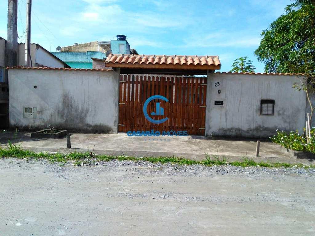 Casa em São Sebastião, no bairro Enseada